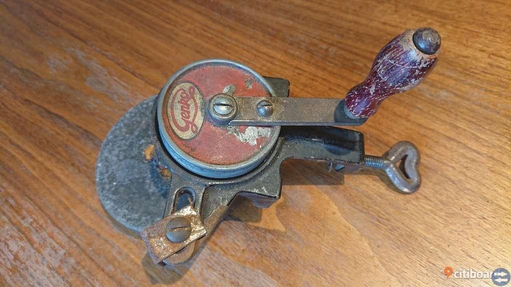 Sliphjul med vev från GENKO / German mechanical grindstone with vice
