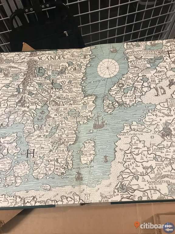 Världsatlas i originalkartong