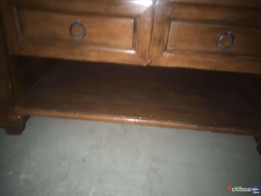 Soffbord bortskänkes