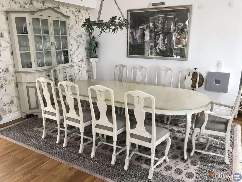 Matgrupp & vitrinskåp från Åmells möbler
