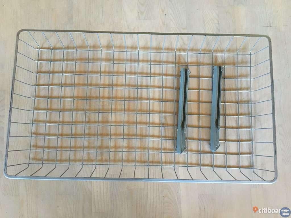 IKEA PAX inredning garderob, 2 st trådbackar skenor 100 cm breda, 100 kr