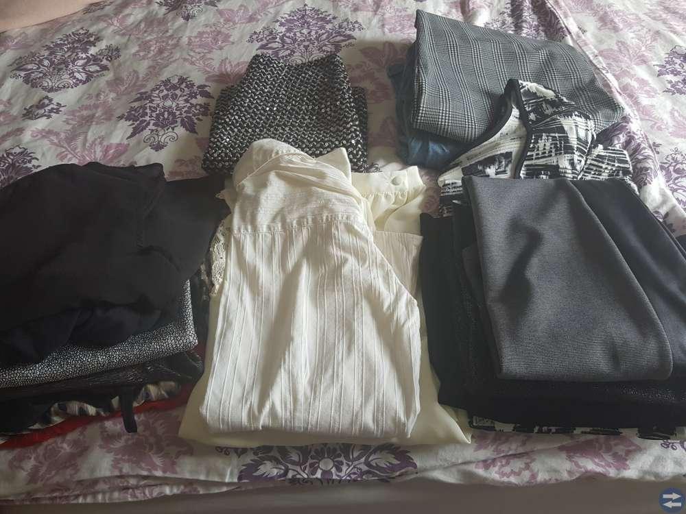 Ett paket damkläder 18 plagg