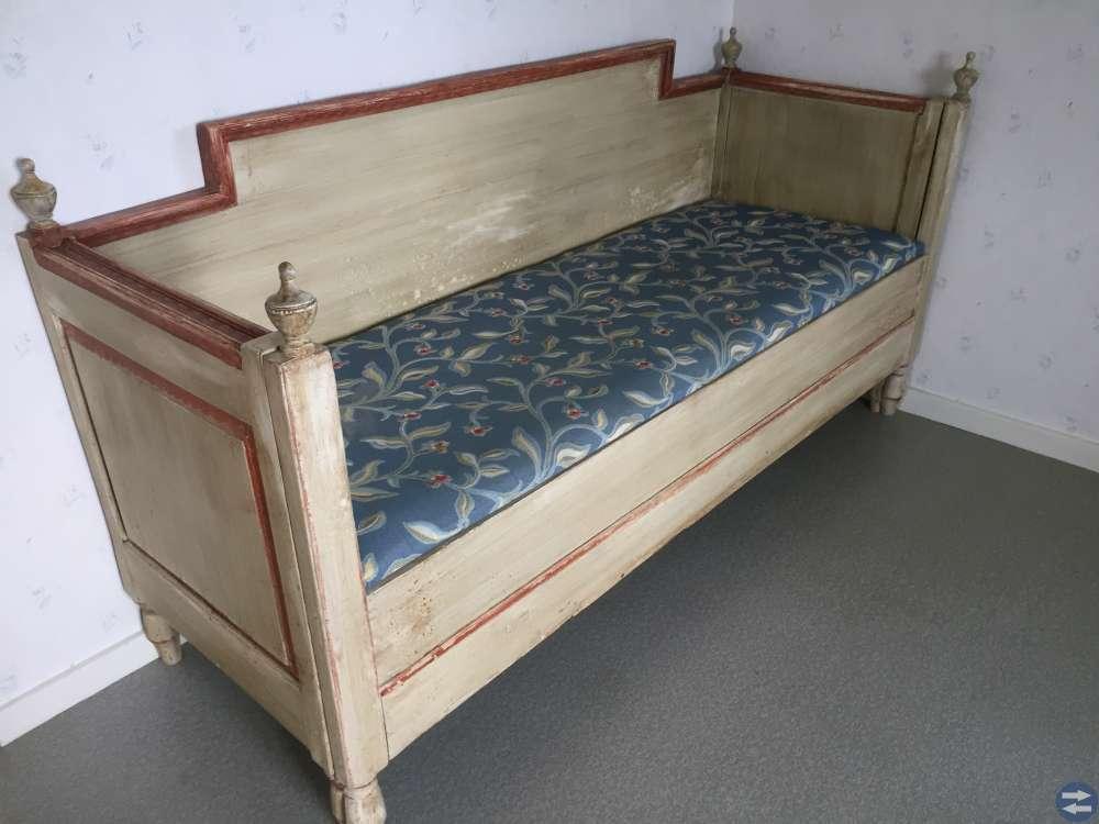 Terassmöbel, terassvärmare, antik soffa, flytväst