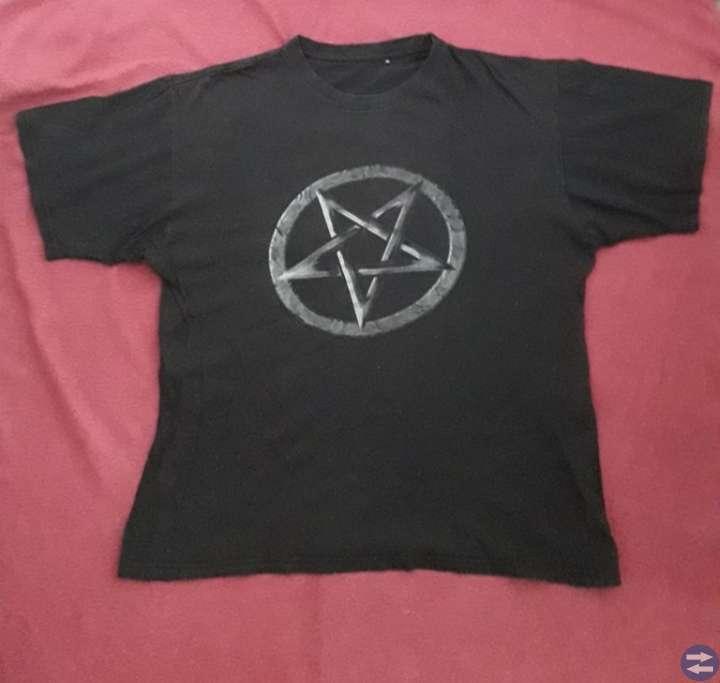 Medium Tröjor/T-Shirts
