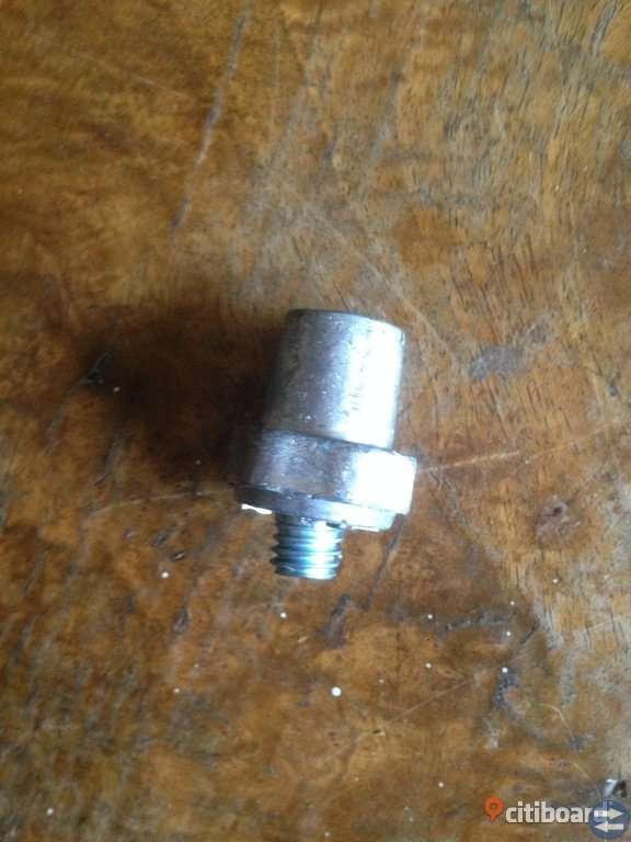 Minus-pol. för sidomontering. universal.