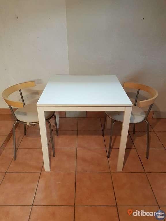 Bord och 2 stolar
