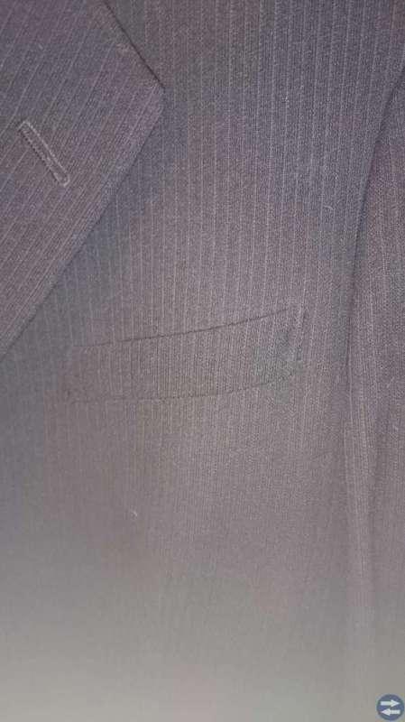 Svart kritstreck randig kostym