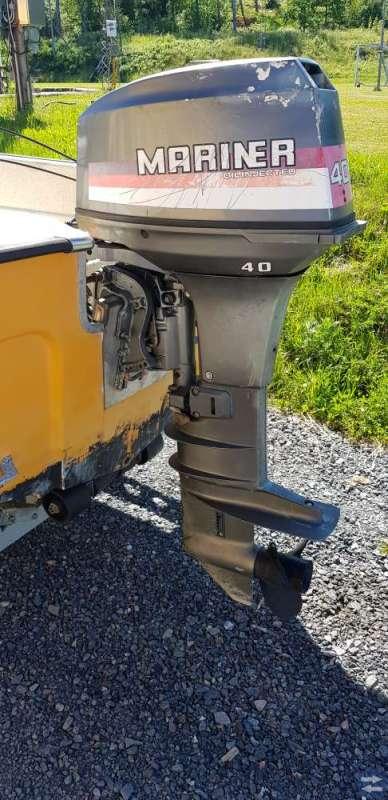 Ryds Sälö styrpulpet med Mariner 40 hk