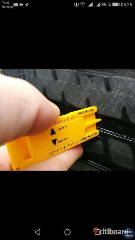 Fälg och däck som suttit på XC90