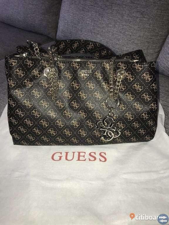 Guess väska