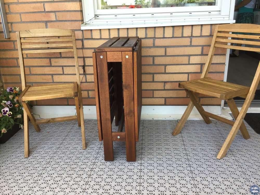 Balkongbord med 2 stolar