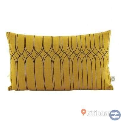 Design Kudde med kuddfodral House Doctor använd i ny skick storlek 30x50 ny pris 500 kr säljes 300 k