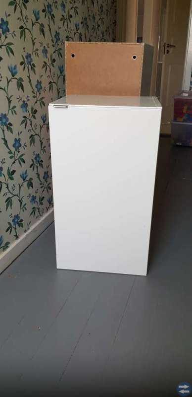 3 st vita skåp från Ikea