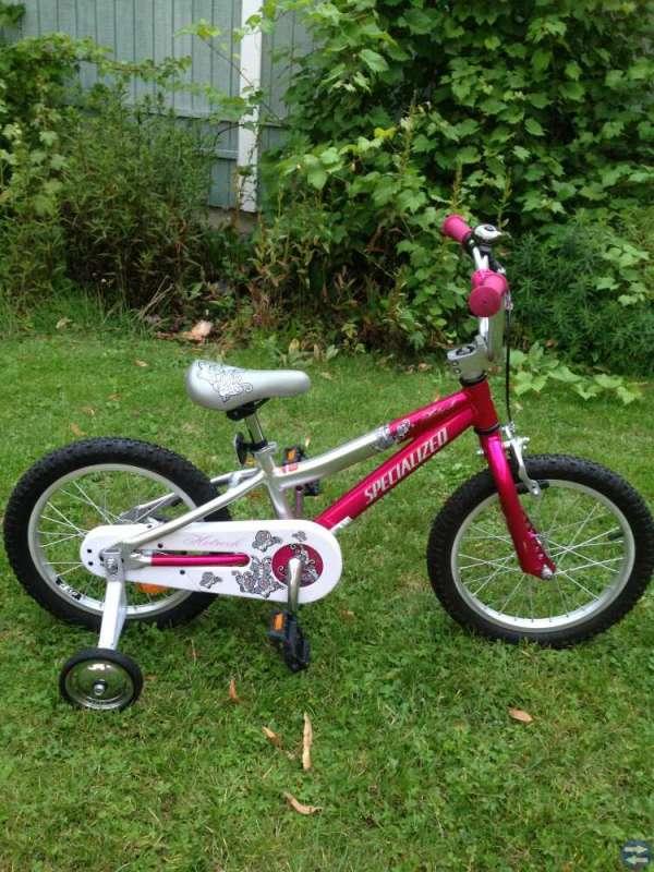 Barncykel 16 tum med avtagbara stödhjul