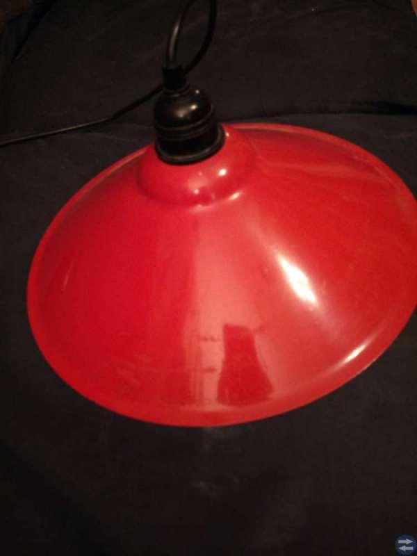 Röd lampa (kök?) Skövdetorget.se Annonsera gratis på