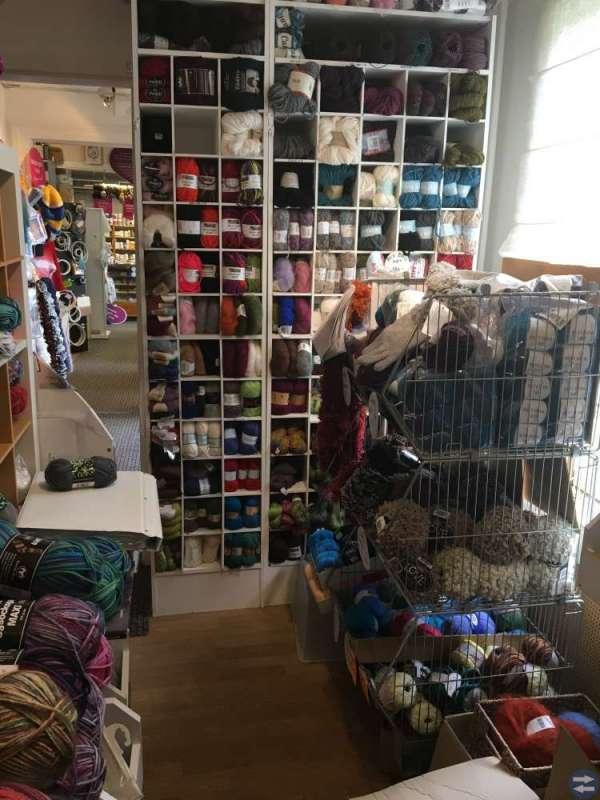 Affärsverksamhet med butikslokal i Henån på Orust
