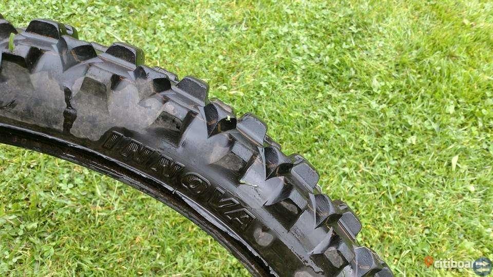 Crossdäck Dunlop och Innova 80/100-21''