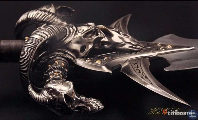 World of Warcraft The Lich King Sword Frostmourne 1:1 REPLICA