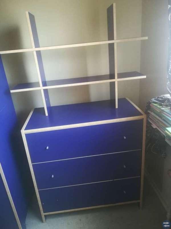 Garderob skrivbord Byrå
