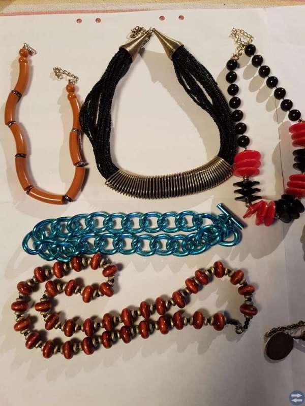 8 halsband