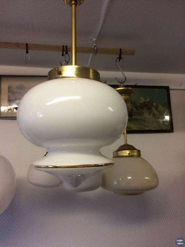 Helrenoverade taklampor fr 1930/60-tal