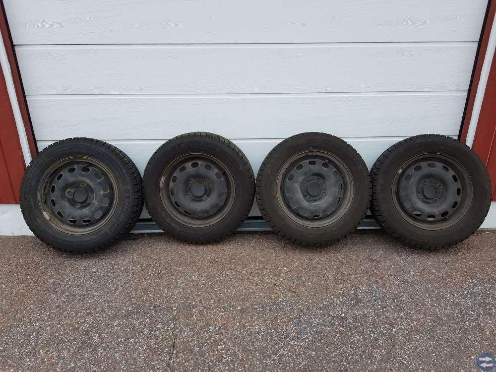4 st Michelin dubbdäck med fälg