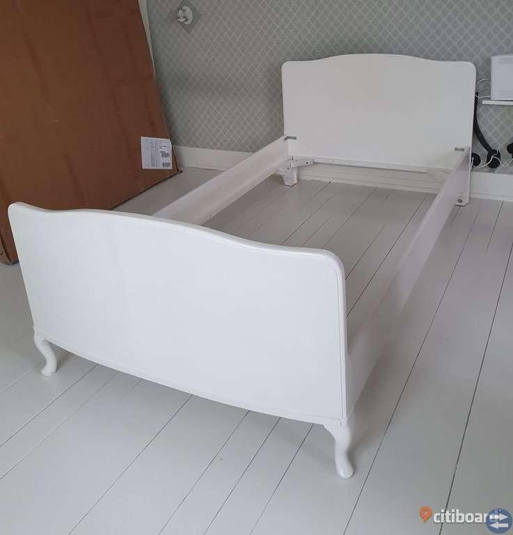 SÄNGRAM från 30-talet, ombyggd till 105cm modern säng. -->UNIK vintage<--