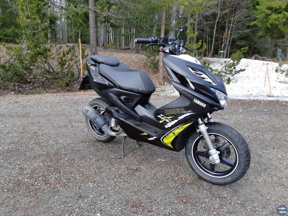 Yamaha Aerox Naked 50 cm³ 2015 - Vantaa - Scooter - Nettimoto