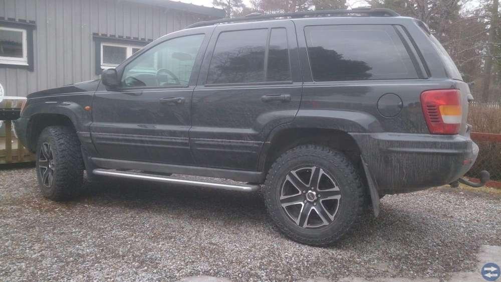 Däck och fälg till bl. a Jeep