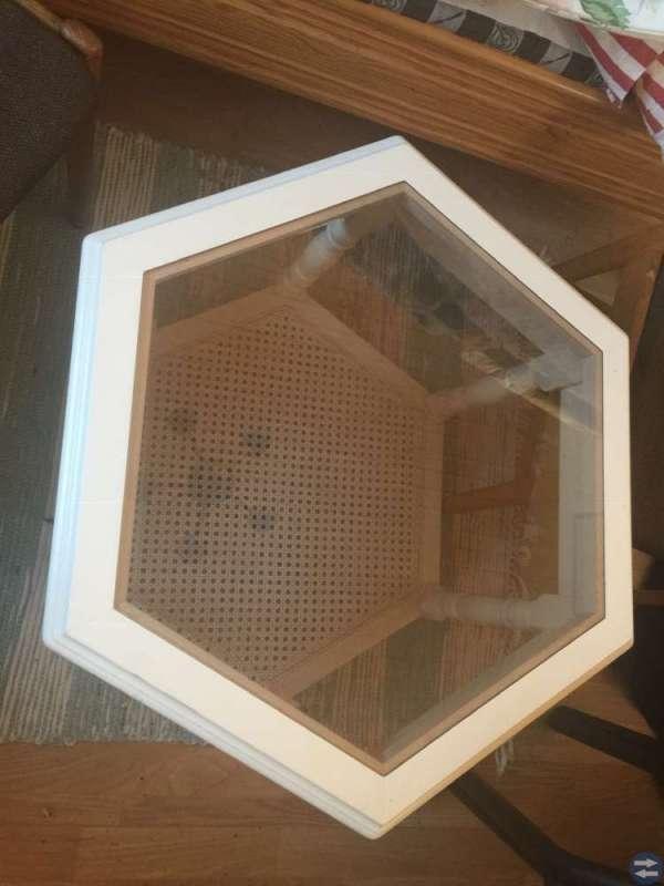 Soffbord med glasskiva