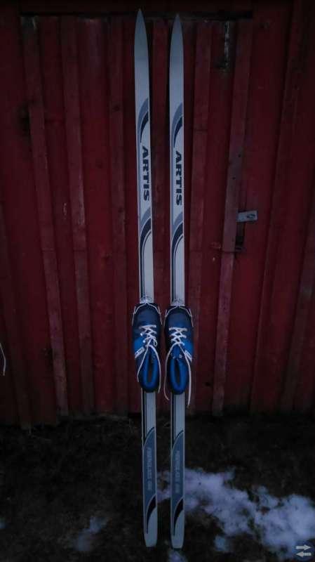 Skidor och pjäxor