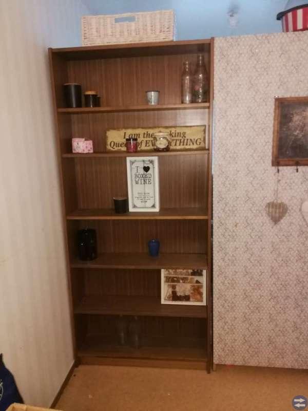 Soffor, bokhylla, jungend skåp samt bohyllor