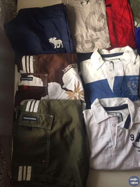 Tröjor, shorts, linnen säljes